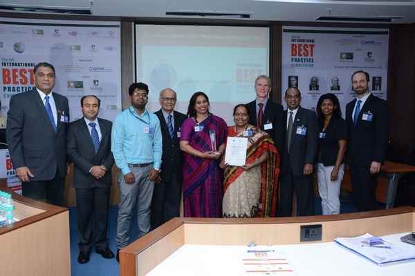 Dr Vandana Shinde and Pushpalatha Ravi, Bharat Petroleum Corporation Limited with judges